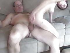 Грудастая порно - голая девушка видео